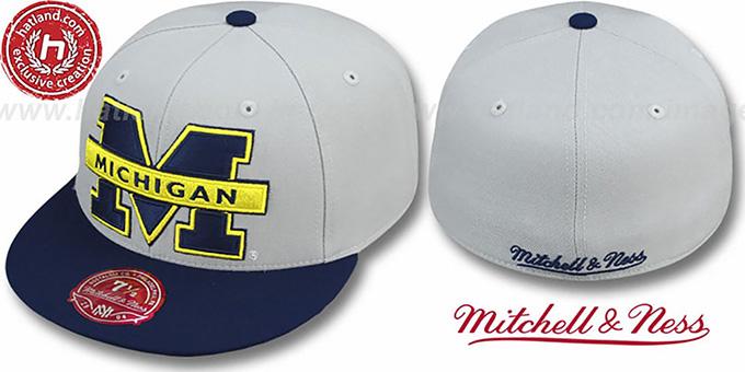 Mitchell /& Ness Hats Michigan Wolverines Snapback Cap Navy Blue